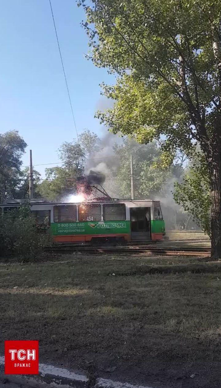 У Запоріжжі загорівся трамвай