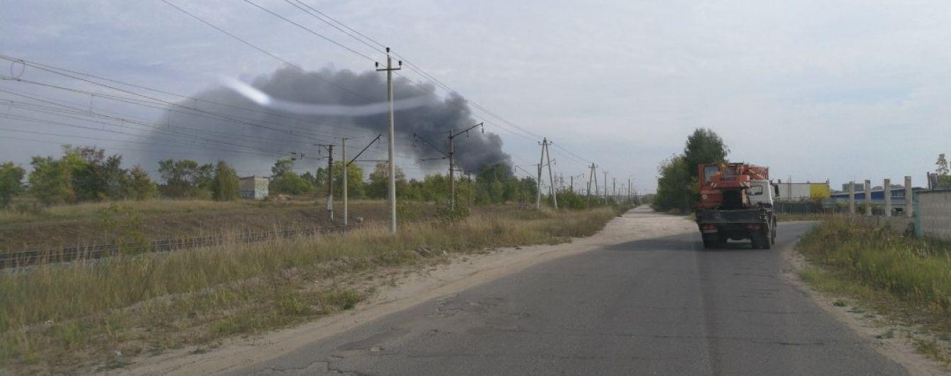 У Росії спалахнула пожежа на хімічному підприємстві, є загиблий