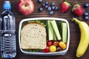 Яку їжу давати дитині в школу?