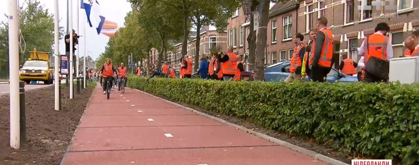 У Нідерландах зробили дорогу з пластикових пляшок