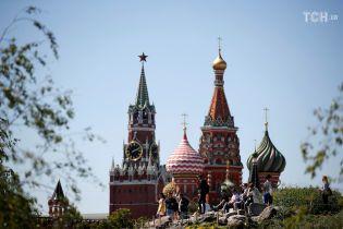 Щонайменше 16 осіб з оточення Трампа мали контакти з росіянами - CNN