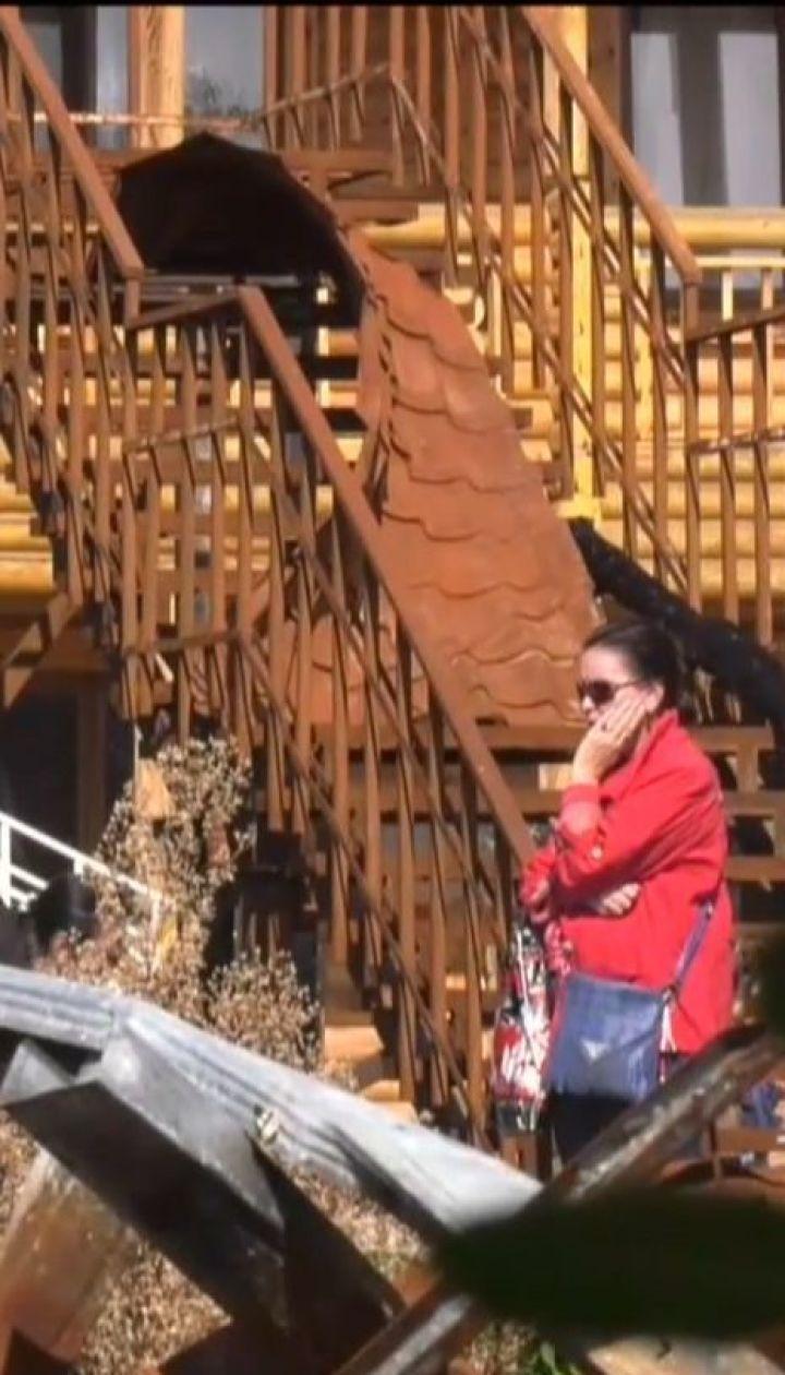 """На згарищі одеського табору """"Вікторія"""" поновили слідчі дії"""