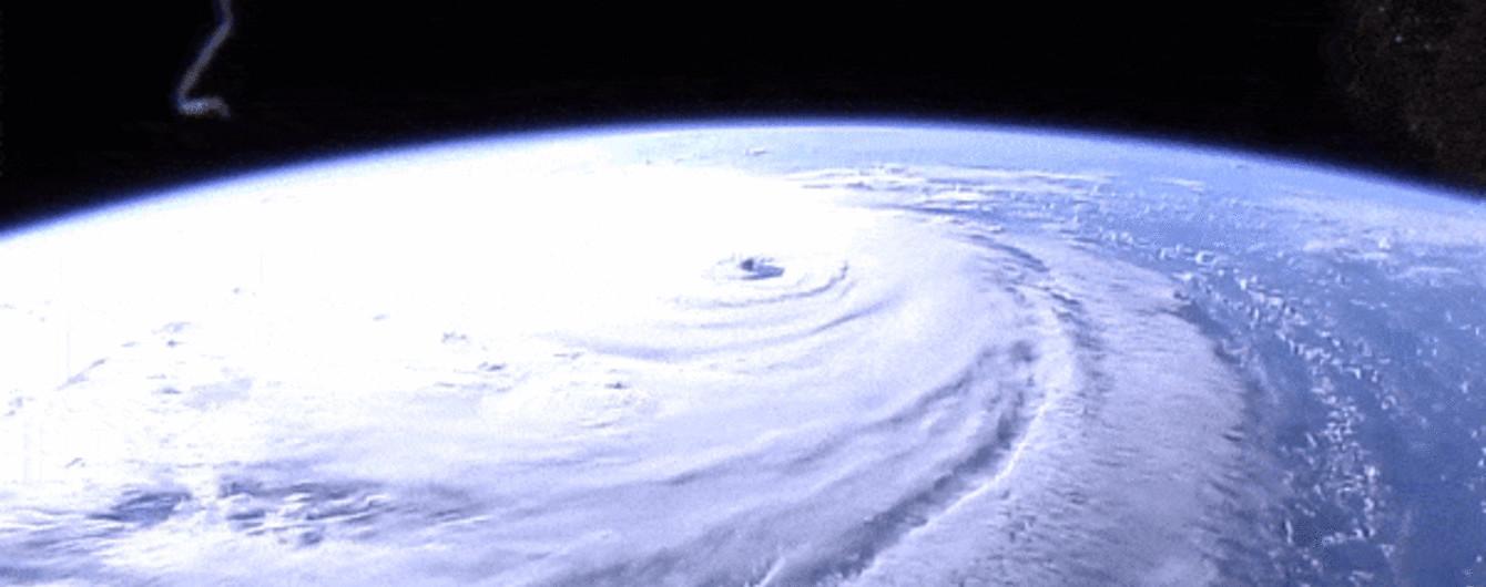 NASA показало неймовірний масштаб урагану Флоренс з космосу