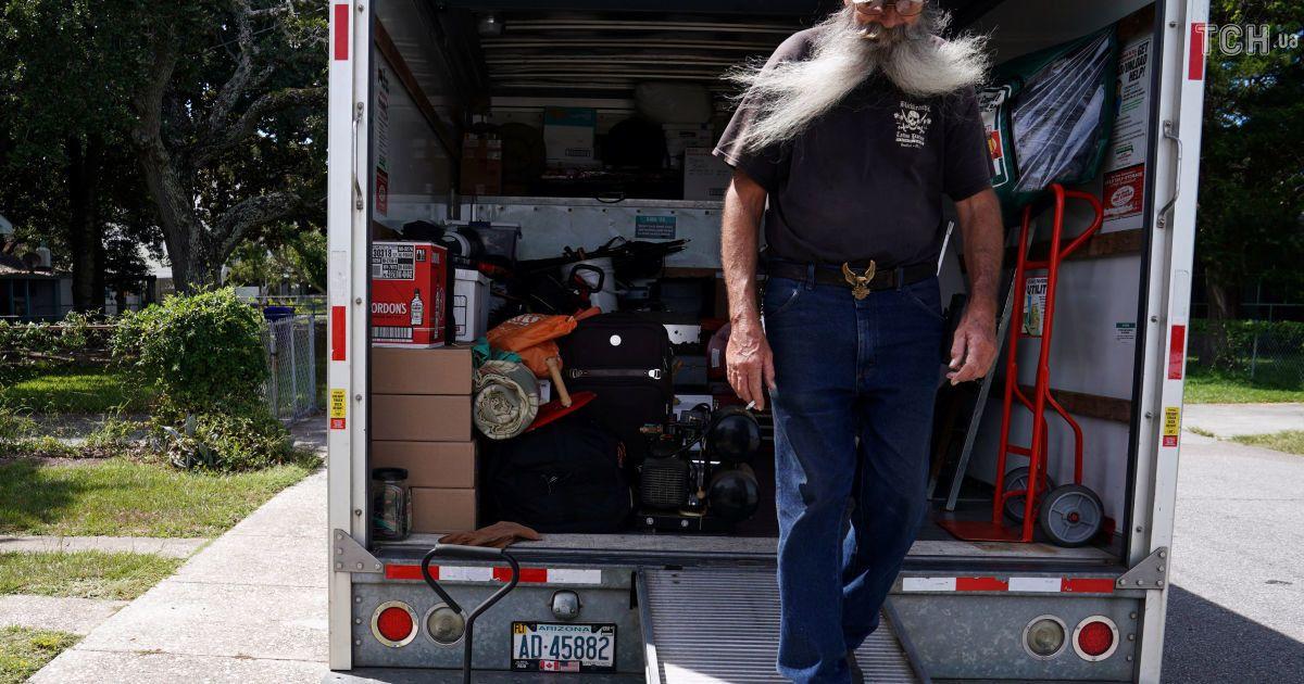 """Прибытие военных и бегство гражданских: в США ведутся последние приготовления к встрече урагана """"Флоренс"""""""
