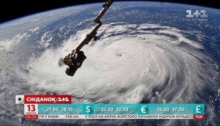 На США надвигается мощный ураган