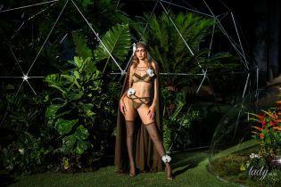 Сексуальные кружева и знаменитые модели: в Нью-Йорке прошел показ бельевой коллекции Рианны