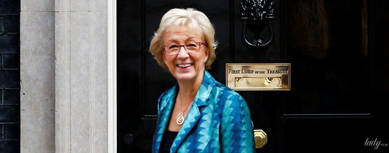 У строкатому жакеті і на підборах: діловий образ лідера британської палати громад