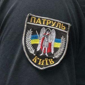 Київські поліцейські влаштували кортежний супровід для машини з породіллею в годину пік