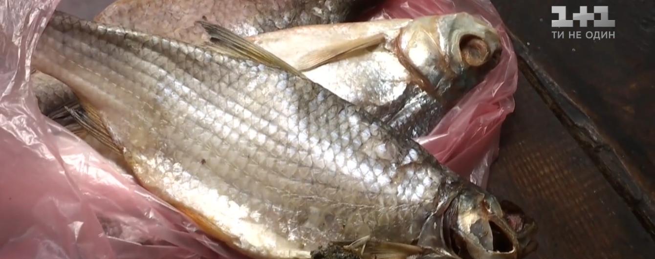 От ботулизма умерли уже восемь украинцев. Как не отравиться до смерти рыбой
