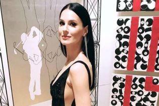 В платье с глубоким декольте: Маша Ефросинина продемонстрировала элегантный образ