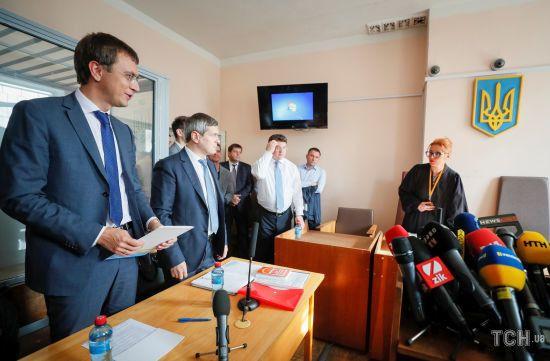 Прокурор тлумачить протоколи допиту свідків, як вважає за потрібне - захист Омеляна