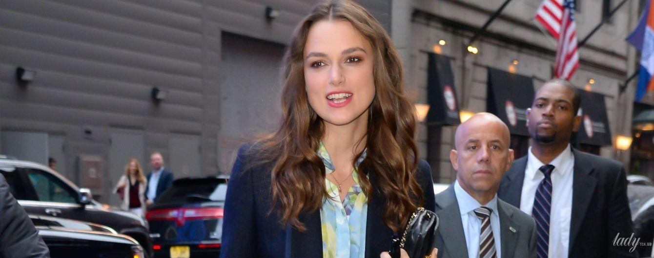 Изменила Chanel: Киру Найтли подловили в наряде от лондонского дизайнера
