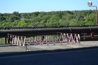 В Запорожье залатали разбитый маршруткой мост