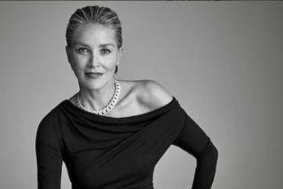 """60-летняя Шэрон Стоун воплотила роковый образ героини """"Основного инстинкта"""" в стильной фотосессии"""