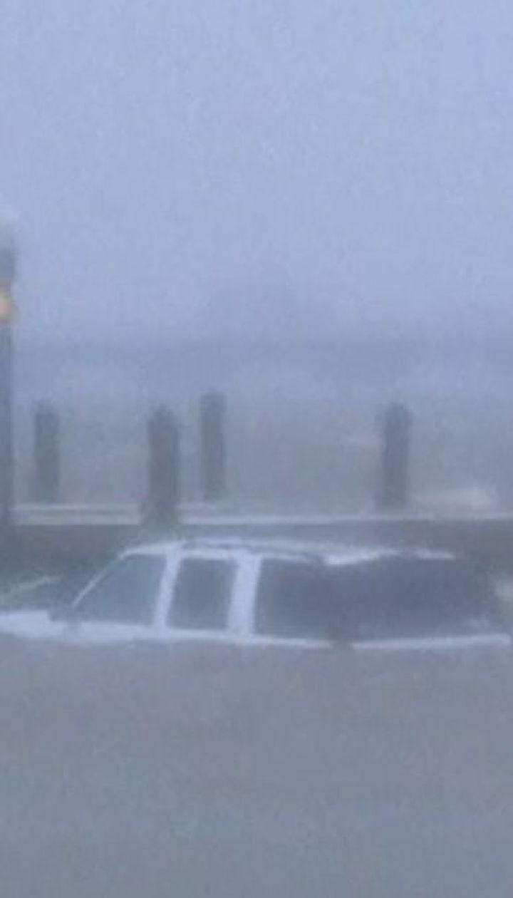 """Ураган """"Флоренс"""": 620 тысяч домов в Северной Каролине остались без связи"""