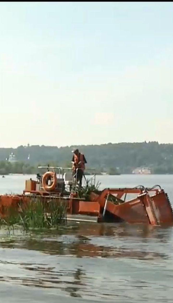 Річка Дніпро з кожним роком перетворюється на стічну канаву – екологи