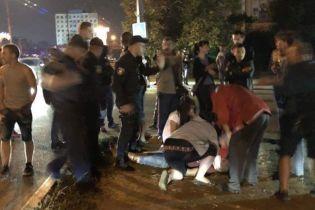 В Черновцах автомобиль патрульных насмерть сбил пешехода