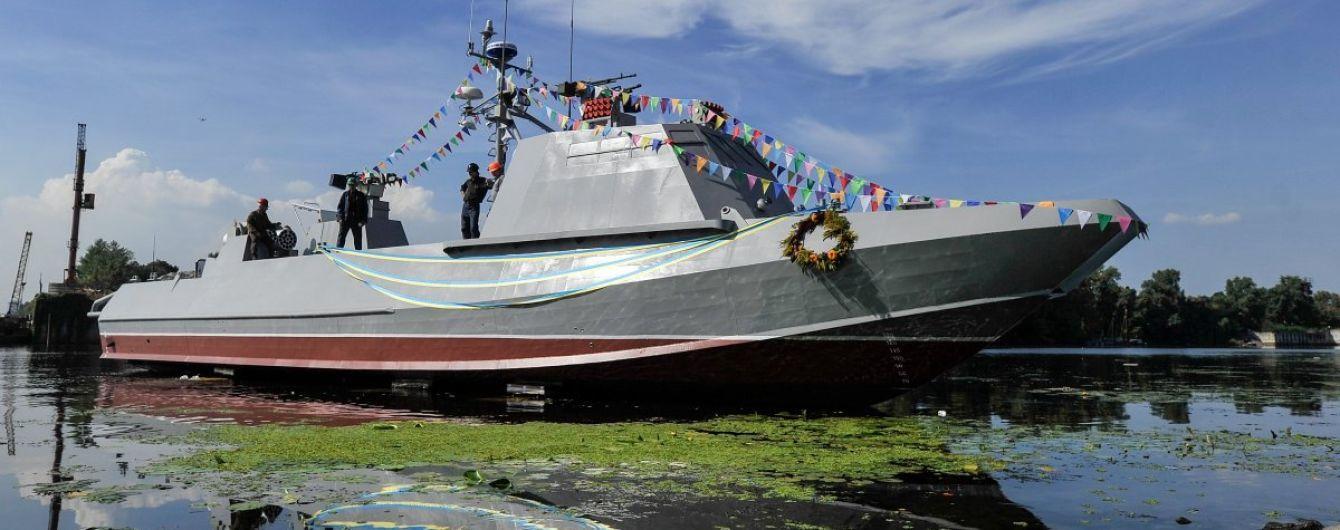Україна посилює свою військову присутність в Азовському морі, перекидаючи техніку суходолом