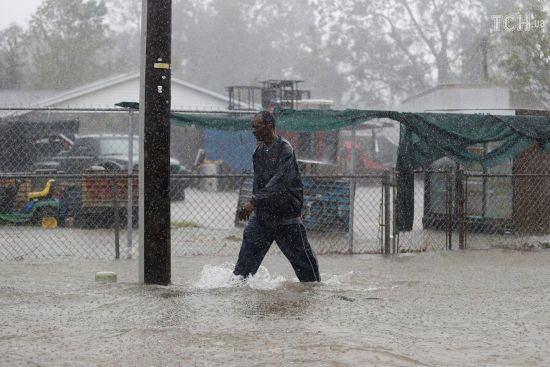 """У США ураган """"Флоренс""""забрав життя двох десятків осіб"""