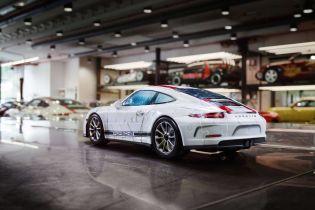 Создано мини-модель Porsche 911 стоимостью $ 60 тысяч