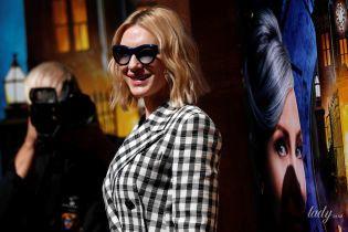 В элегантном клетчатом костюме: Кейт Бланшетт на премьере в Лос-Анджелесе