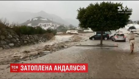 В Испании из-за ливней пострадали города Альмерия и Лас-Неграс