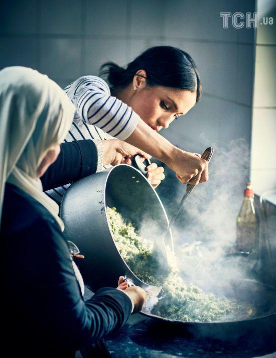 50 рецептів від Меган: герцогиня Сассекська представила кулінарну книжку