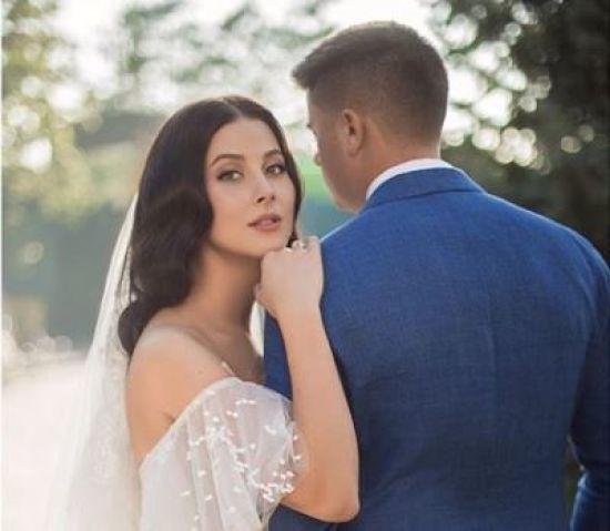 """Екс-""""ВІА Гра"""" Анастасія Кожевнікова показала зворушливі весільні фото"""