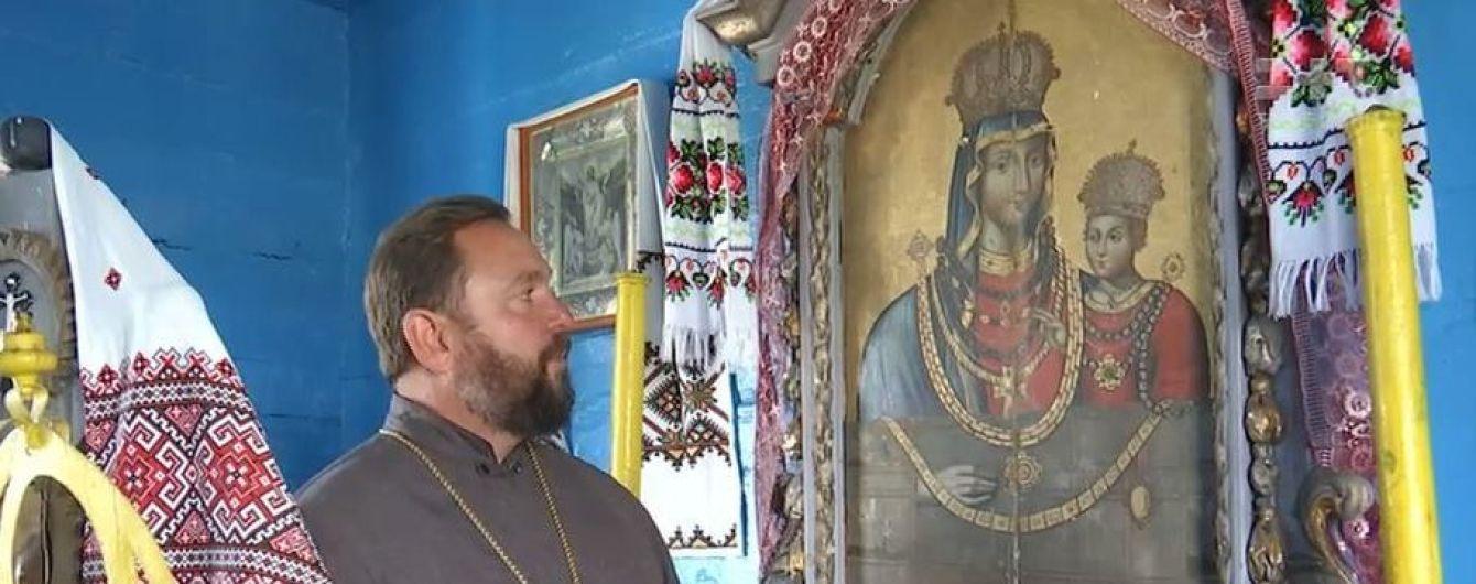 На Волыни нашли икону Богородицы с ожерельем, которую вероятно реставрировал Шевченко