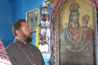 На Волині знайшли ікону Богородиці з намистом, яку ймовірно реставрував Шевченко