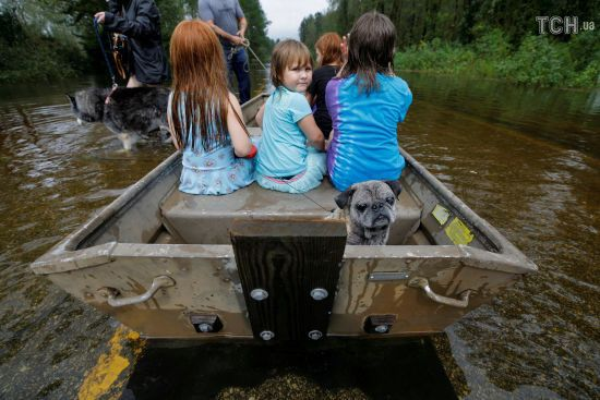 """У США знову зросла кількість загиблих в результаті удару урагану """"Флоренс"""""""