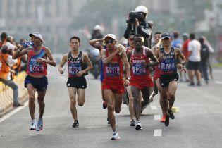 Кенійського бігуна перед фінішем на марафоні збила автівка
