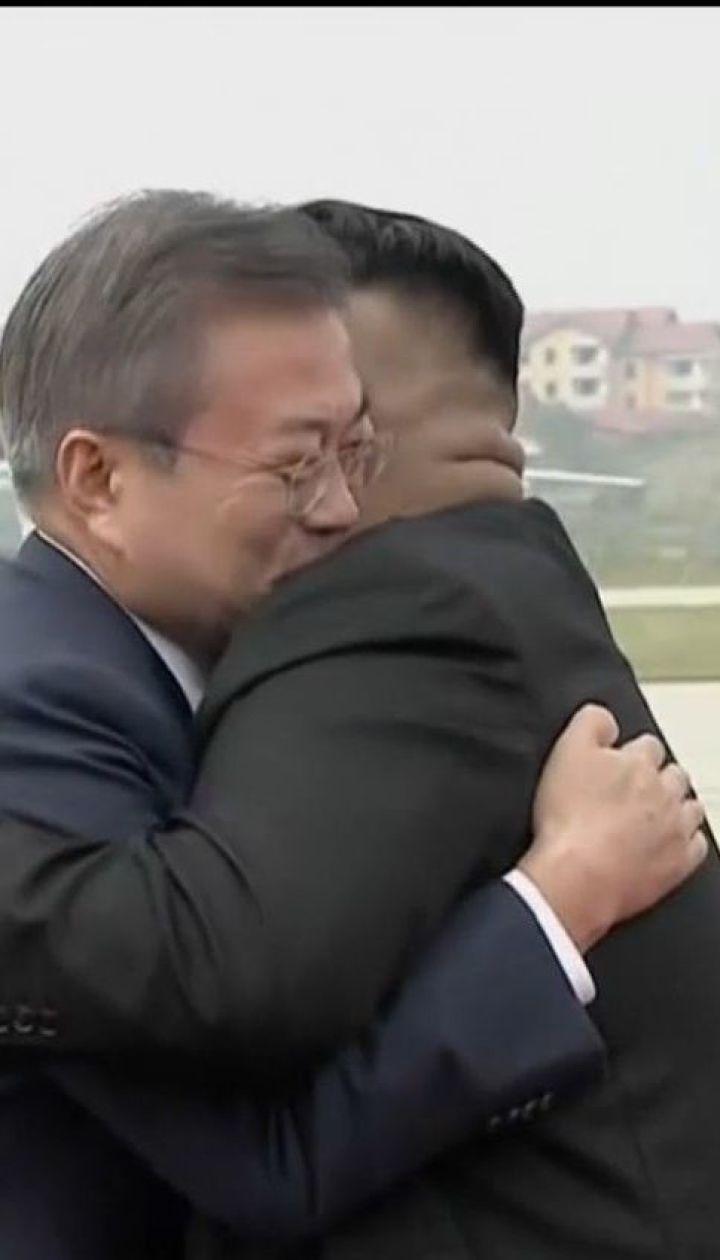 В гостях у Кім Чен Ина. До КНДР прилетів Президент Південної Кореї