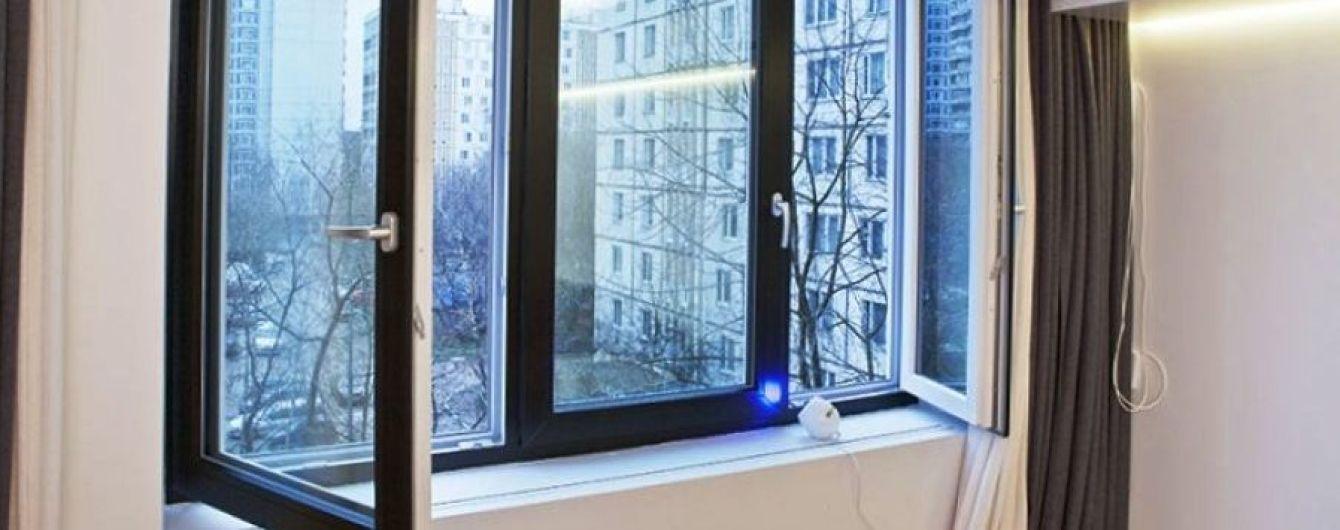 На Львовщине трехлетний ребенок выпал из окна четвертого этажа