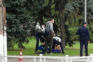 В Херсоне задержали СБУшника: официально за хулиганство, юзеры говорят о мастурбации на детплощадке