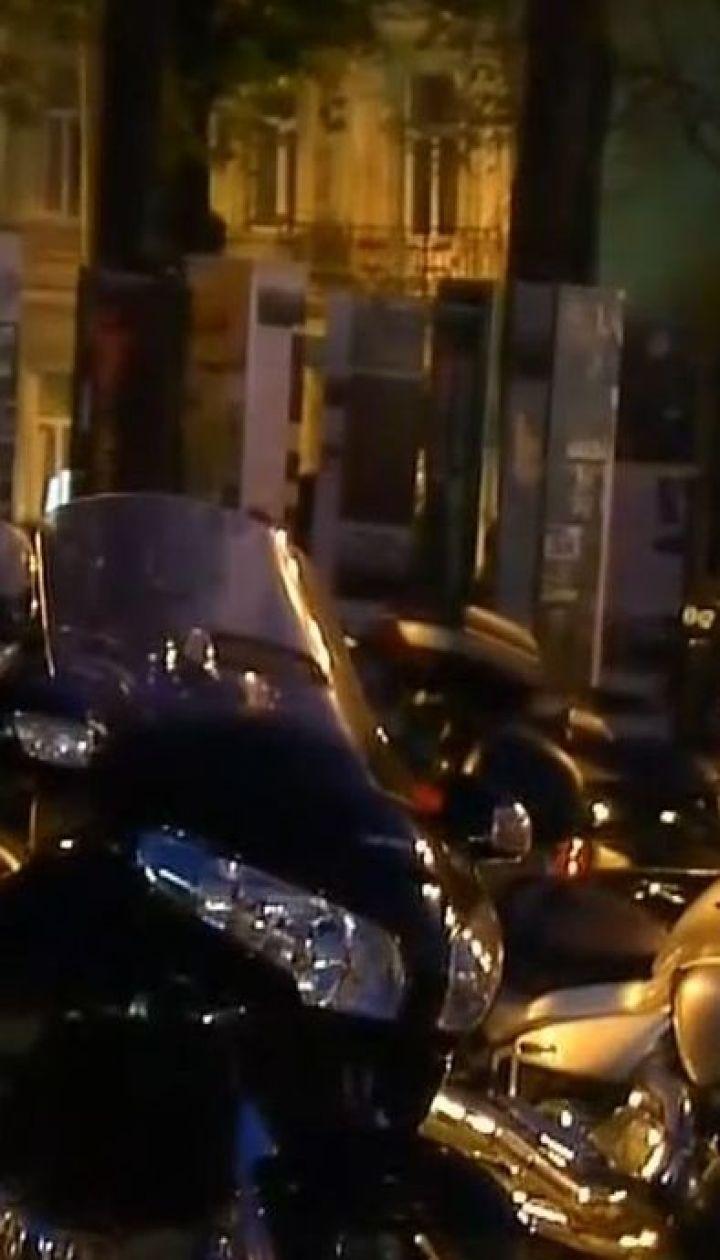 У Києві на Михайлівській площі вшанували пам'ять загиблих байкерів