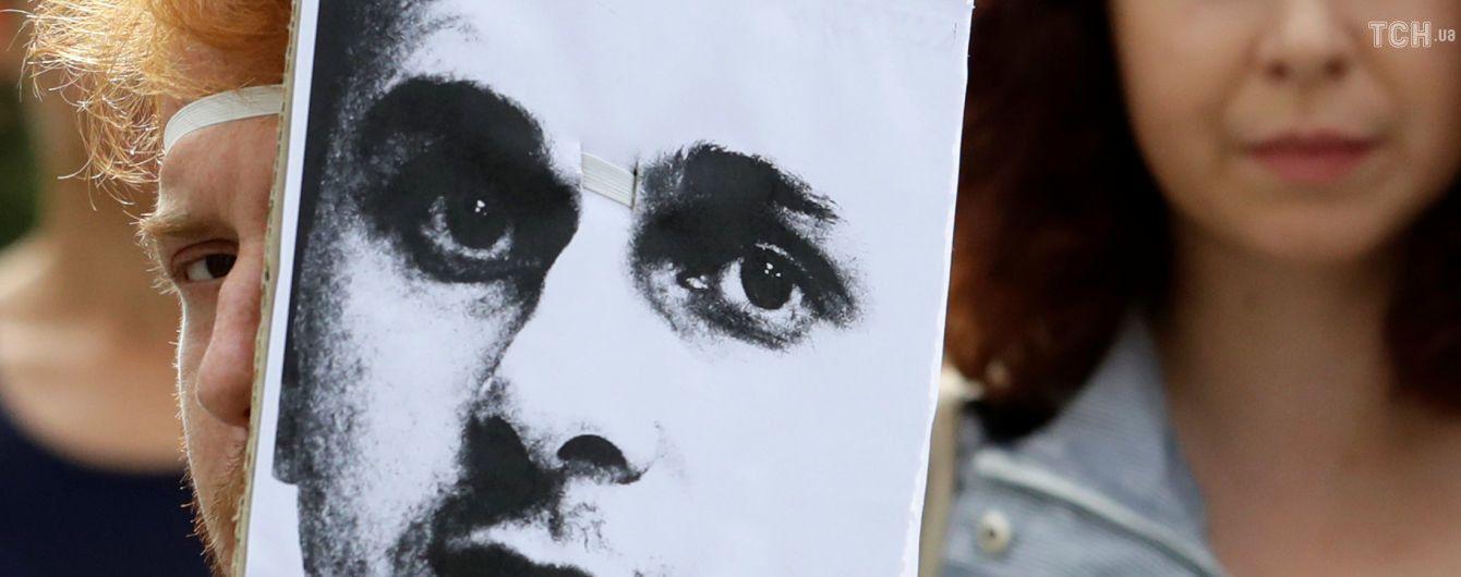 На крупнейшей книжной ярмарке мира прочтут сочинения Сенцова