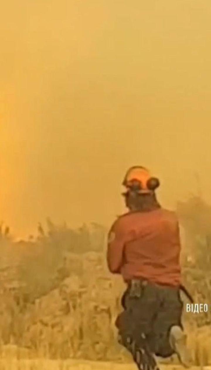 У Канаді в 60-метрове торнадо затягнуло пожежний шланг