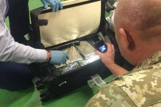 """В """"Борисполе"""" служебный пес обнаружил более пяти килограммов кокаина в чемодане"""