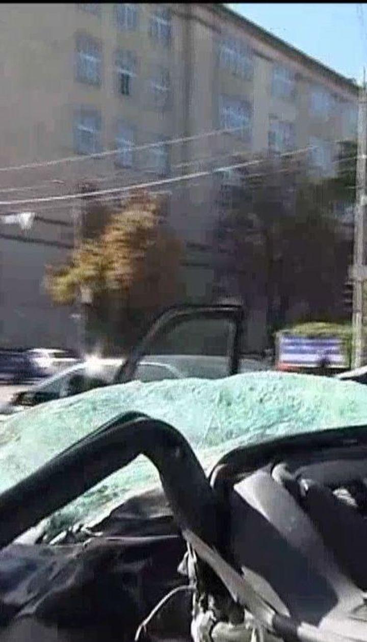 П'ять автівок потрапили в серйозну ДТП у центрі столиці