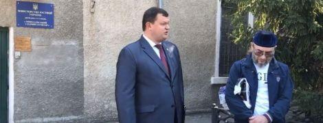 В Николаеве из СИЗО освободили экс-бойца АТО из Чечни, за которым охотилась Россия