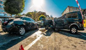 Масова ДТП у Києві: на Антоновича зіткнулися п'ять авто, мікроавтобус перекинувся на дах