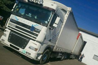 На Буковине пограничники остановили грузовик с контрабандой на два миллиона