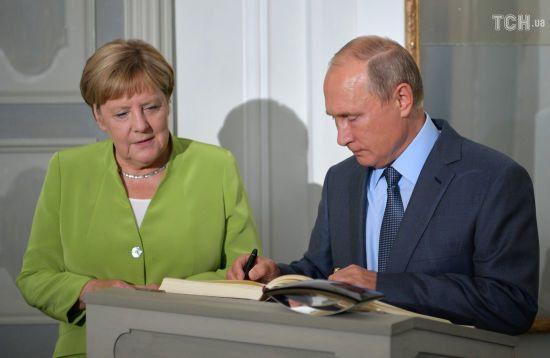 Меркель і Путін обговорили Сирію, Мінські домовленості і вбивство Захарченка