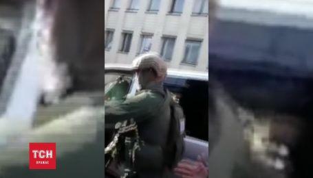 Видео с места конфликта под Антикорупционной прокуратурой