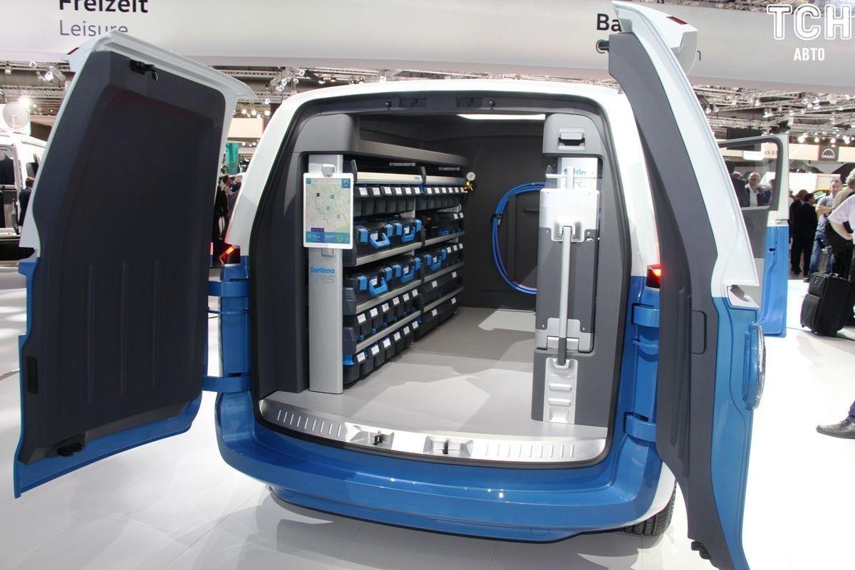 Volkswagen Buzz Cargo в середині_1