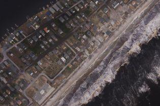 """До та після """"Флоренс"""". Як з висоти виглядають нищівні наслідки урагану, що поховав вулиці та острови"""