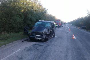 На Запоріжжі у моторошній ДТП мікроавтобуса та Lanos загинули четверо людей