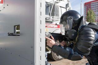 """В России создали передвижные бронированные """"стены"""" с бойницами для разгона протестов"""