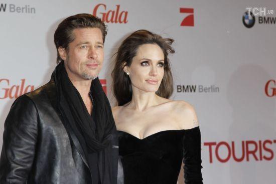 Втомлений розлученням з Джолі Бред Пітт висунув їй ультиматум